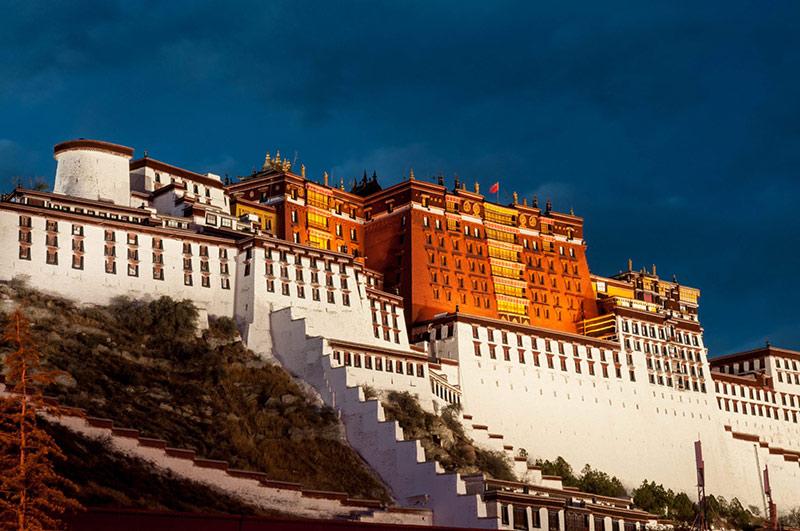 کاخ پوتالا | بهترین جاذبه های گردشگری چین