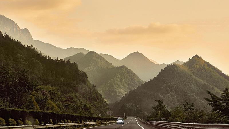 کوه های زرد چین | بهترین جاذبه های گردشگری چین