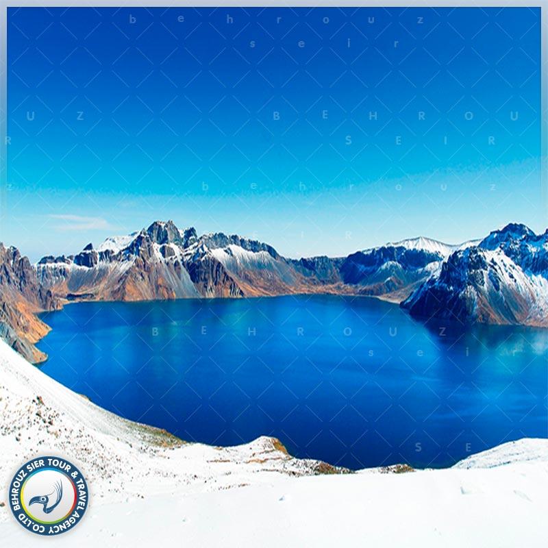 دریاچه-تیانچی-در-کوهستان-چانگ-بای-بهروزسیر