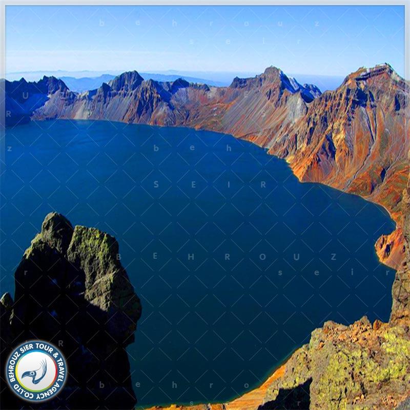 دریاچه-تیانچی-در-کوهستان-چانگ-بای-1بهروزسیر