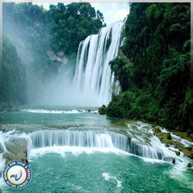 آبشار-زیبا-و-خیره-کننده-هوآنگ-گوشو