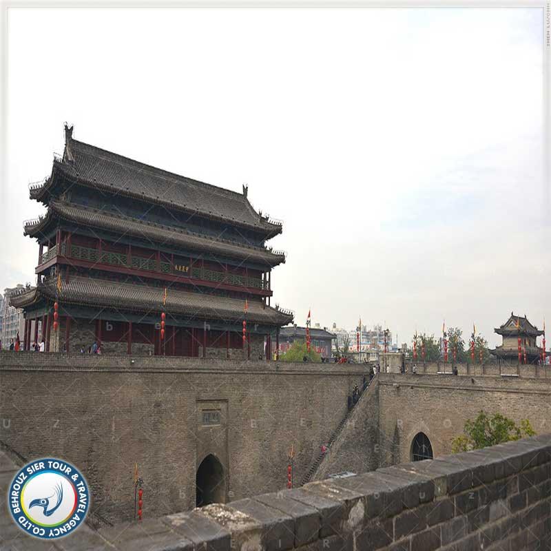 دروازه-جنوبی-دیوار-قدیمی-شهر-ژی-آن-بهروزسیر