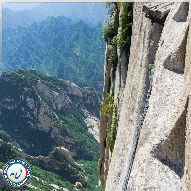 قله-های-مختلف-در-کوهستان-هوآ--بهروزسیر
