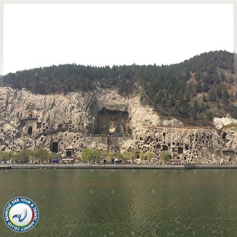 غارهای-لانگمِن-نمای-دور--بهروزسیر
