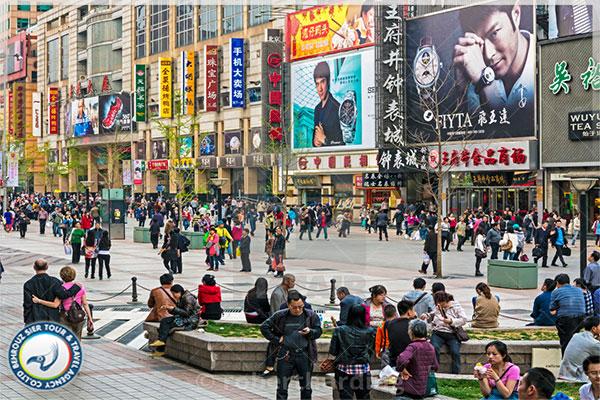 خیابان-وانگ-فوجینگ-مرکز-خرید-چین-بهروزسیر
