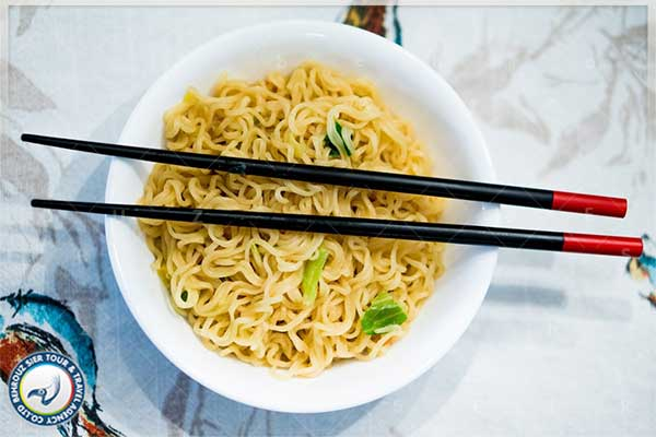 chopsticks-به-جای-قاشق-و-چنگال-بهروزسیر