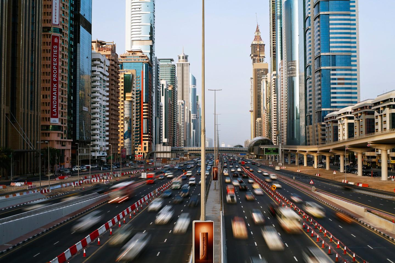 نمایی از ترافیک سنگین در دبی -بهروزسیر