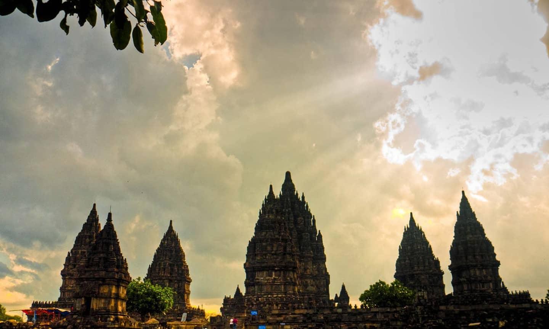 رسوم کشور اندونزی اعتقاد به اول صبح
