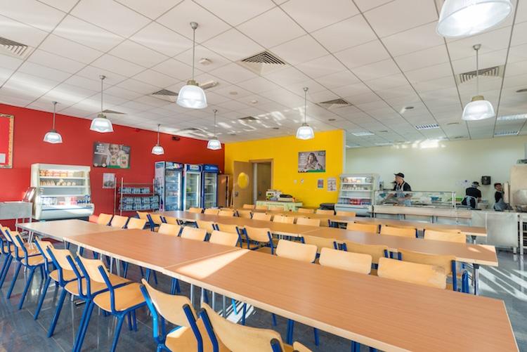 مدرسه بریتانیایی یکی از بهترین مدارس دبی -بهروزسیر